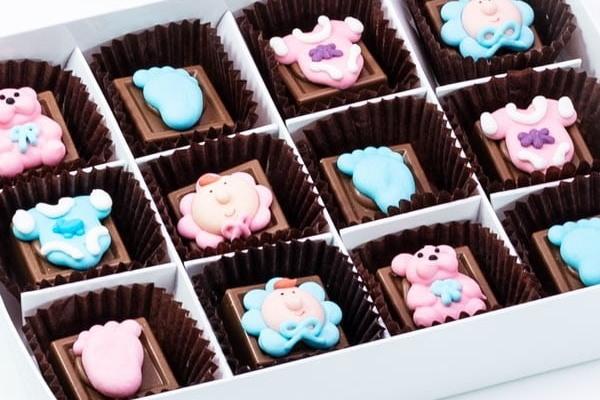 customised baby-chocolates
